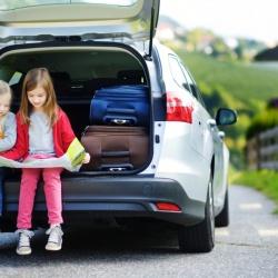 Seis juegos infalibles para viajar con niños en coche