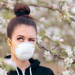 Mascarillas: ¿son eficaces contra las alergias de primavera?
