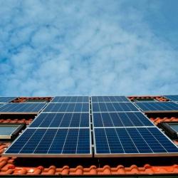 Cómo amortizar la instalación de las placas solares en viviendas y empresas